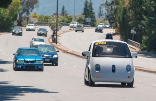 Xe tự lái Google chính thức lăn bánh thử nghiệm trên đường phố California